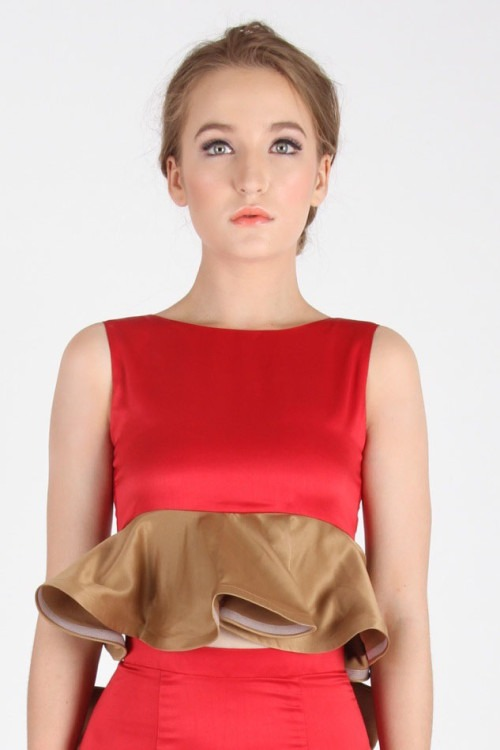 Rouge Frill Top